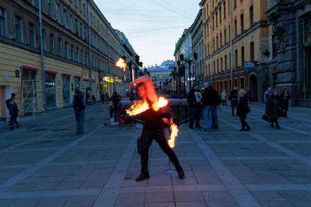 saint petersburg: SAINT PETERSBURG, RUSSIA - APRIL 22:Street performers in Saint Petersburg, Russia on April 22, 2015.