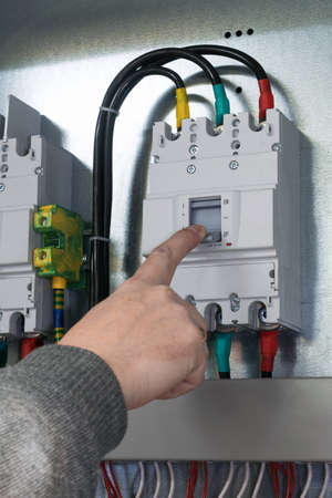 contact breaker people hand off auto switch mounted in electrical Cabinet : hand off auto switch wiring - yogabreezes.com