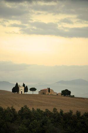 cappella: Cappella di Vitaleta al anochecer, Toscana, Italia