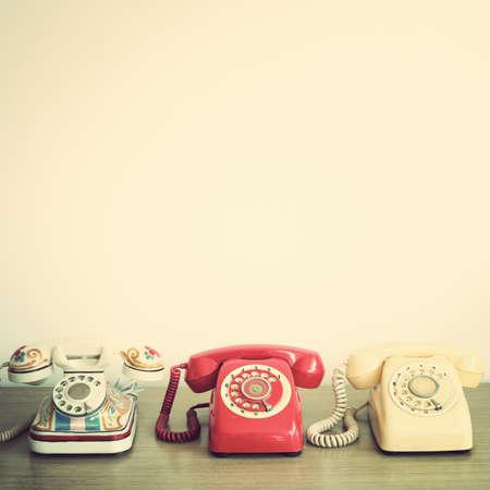 directorio telefonico: Tres teléfonos de época Foto de archivo