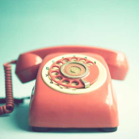 Vintage red Telefon Standard-Bild - 32577190