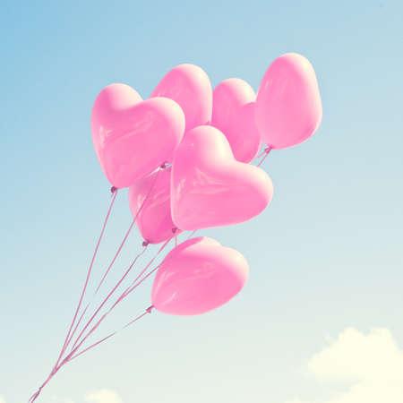 schlauch herz: Rosa herzförmige Ballons