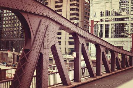 magnificent mile: Bridge over the Chicago River
