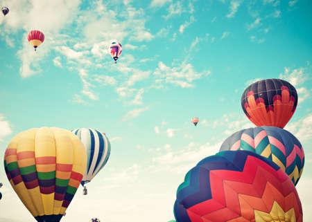 ビンテージ熱気球飛行中