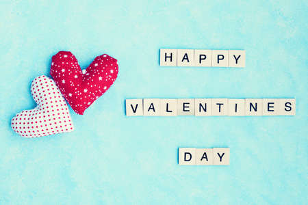 Two Cotton Hearts and Happy Valentines Day Message 스톡 콘텐츠
