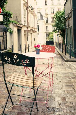 パリのヴィンテージのストリート カフェ