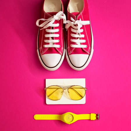 Vintage girly fashion items in a flat lay composition Banco de Imagens - 83630501