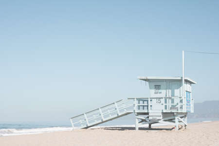 Life guard tower in a beach in California Banco de Imagens - 104371914