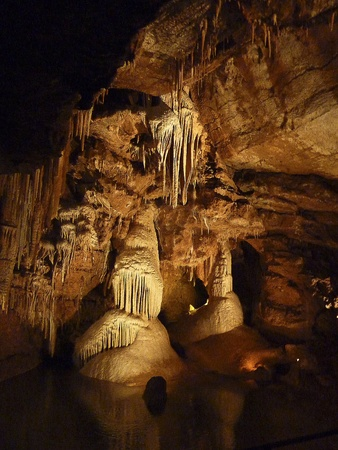 stalagtites and stalagmites in caves in Grottes de Lacave
