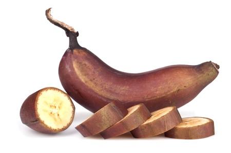 Reife rote Banane auf weißem Hintergrund