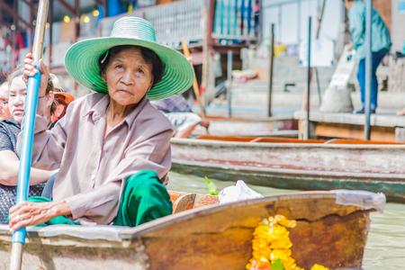 saduak: thailand damnoen saduak floating market Editorial