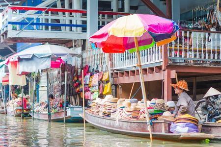 damnoen saduak: thailand damnoen saduak floating market Editorial