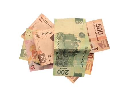 Quelques 50100200 et 500 factures de peso mexicain isolé sur fond blanc