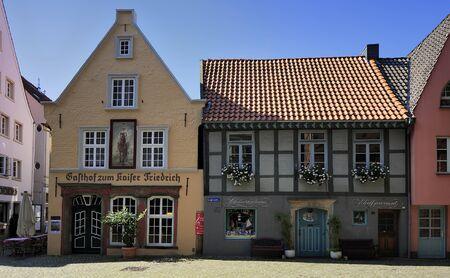 friedrich: BREMEN, GERMANY - 22 AUGUST 2015: Gasthof zum Kaiser Friedrich building, was built around 1630 in the baroque style Editorial