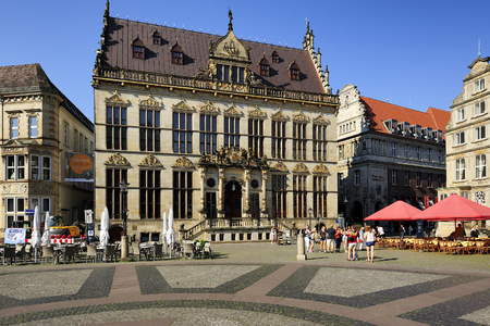 shutting: Shutting Guildhall, the guildhouse of merchants, the style of Renaissance, the home of the chamber of commerce, Bremen, Germany