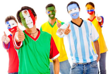 Venezuela flag: Equipo de Am�rica con los pulgares arriba - aislados en un fondo blanco