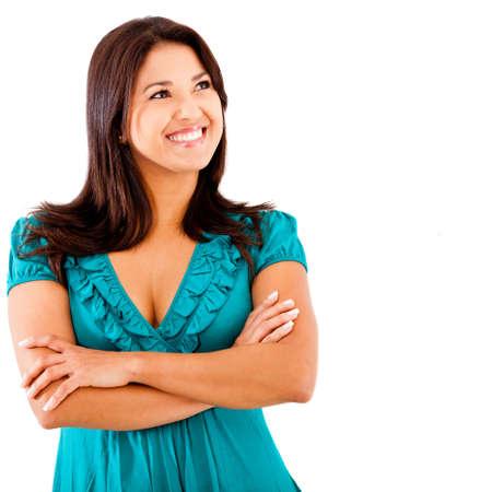 mujer pensativa: Mujer pensativa sonriendo y mirando hacia arriba - aislados en blanco
