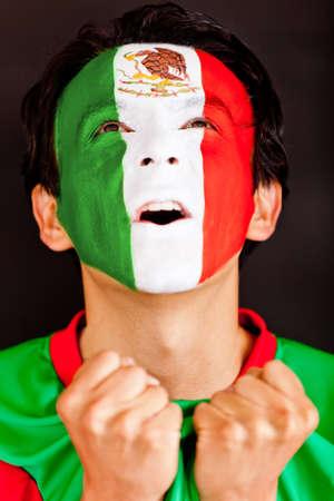body paint: Emocionado gritos mexicano - aislados en un fondo negro Foto de archivo