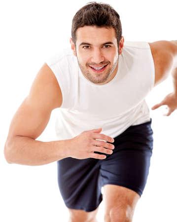 ropa deportiva: Man Running - aislados en un fondo blanco