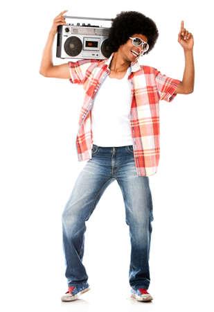listening to music: Funky hombre escuchar m�sica en la radio - aislados en un fondo blanco