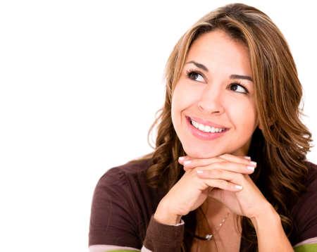 mujeres pensando: Mujer pensativa mirando hacia arriba - aislados en un fondo blanco
