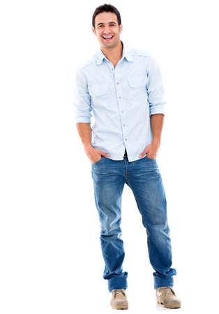sonrisa: Casual hombre guapo sonriendo - aislados en un fondo blanco