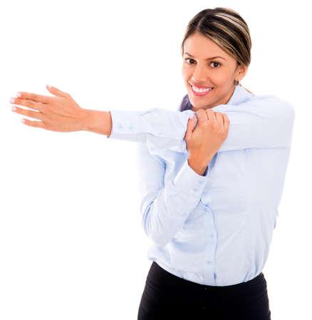 pausa: Empresaria que hace ejercicio de estiramientos - aislados en blanco