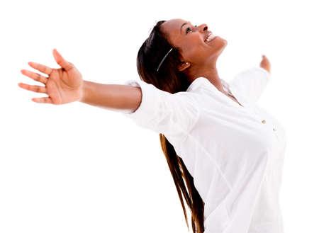femme africaine: Femme heureuse jouissant de sa libert� - isol� sur fond blanc