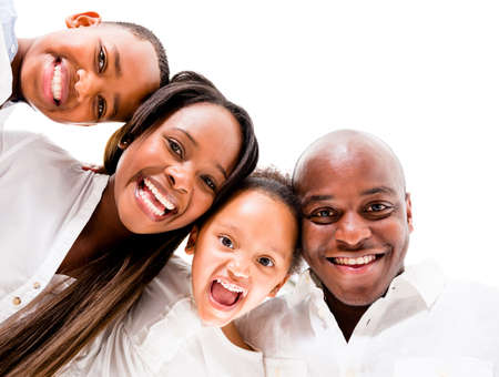 garcon africain: Famille afro-am�ricaine regardant tr�s heureux - isol� sur fond blanc