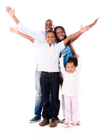 famille africaine: Famille heureuse avec les bras jusqu'? - isol? sur un fond blanc