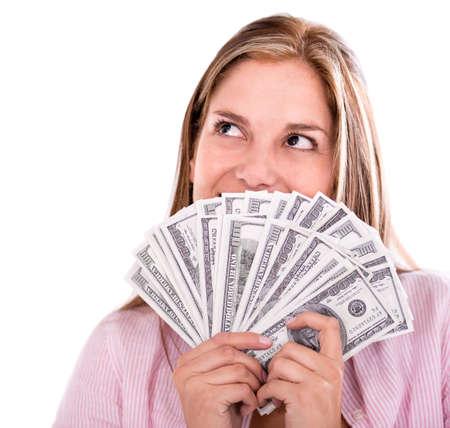 dinero: Mujer pensativa pensando c�mo gastar su dinero - aislado m�s de blanco