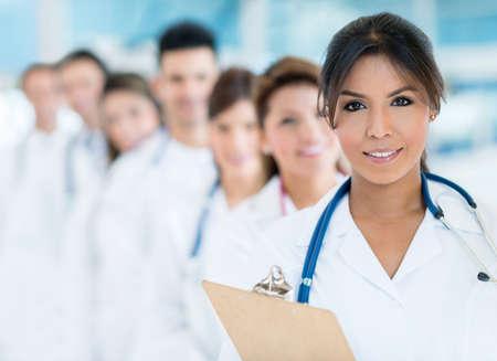 personal medico: Grupo de personal m�dico en el hospital Foto de archivo