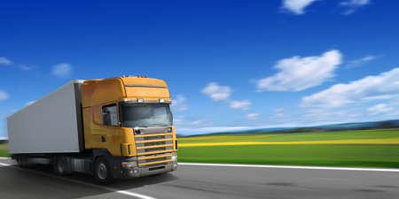 transport: Schnell fahren LKW
