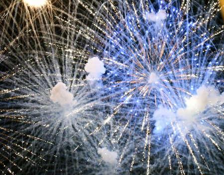 Mobile fireworks exploding at once 版權商用圖片
