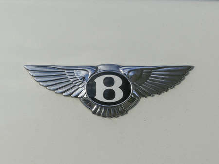 The Hague, the Netherlands - November  11 2018: Bentley winged B badge on white background Imagens - 115967281