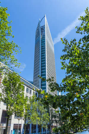 The Hague, the Netherlands - July 12 2018: tall building of The Hague city skyline on sunny day 新聞圖片