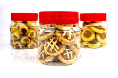 drei verschiedenen Designs von Lunar New Year Ananas tarts.