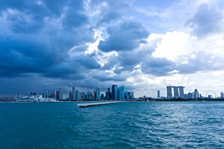 Eine lange horizontale Schuss von Singapur Bayfront.