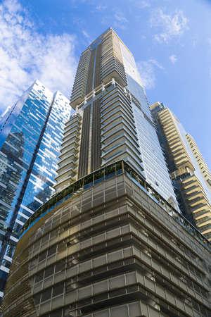 Minimal Winkel Schuss von modernen Gebäuden in der Stadt Lizenzfreie Bilder
