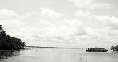 alleppey: Houseboat in alleppey