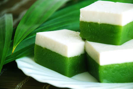 starchy food: Asian delights, Nyonya kueh talam (tray cake)