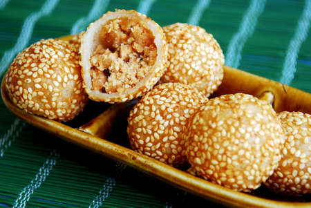 Asian delights, nyonya kueh - Jin Tui (Crispy sesame ball)