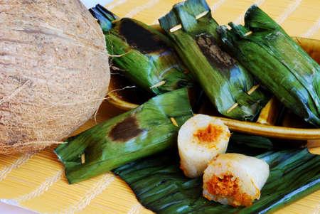 Asian delights, nyonya kueh - Pulut Panggang (Grilled glutinous rice) Stock Photo - 3113990