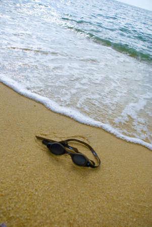 drown: Goggle en la playa - se ahogan concepto