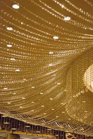 Crystal gordijnen op plafond Stockfoto