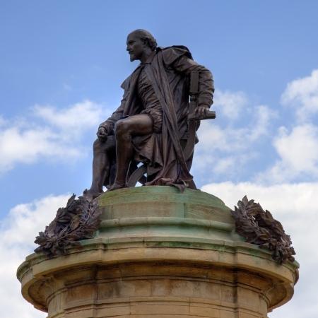 stratford upon avon: Statue of William Shakespeare, Stratford upon Avon, Warwickshire, England