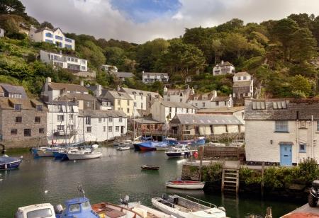 De mooie haven van Polperro, Cornwall, Engeland