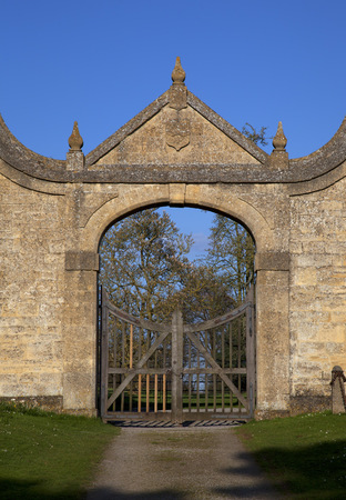 jacobean: The historic Jacobean gatehouse to the Banqueting Hall at Chipping Campden, Gloucestershire, England