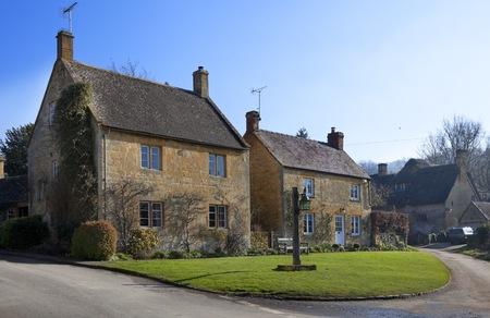cotswold: Due case Cotswold nel villaggio di Stanton Gloucestershire, Inghilterra