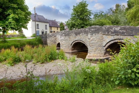 old packhorse bridge: The old packhorse bridge at Clun, Shropshire, England.